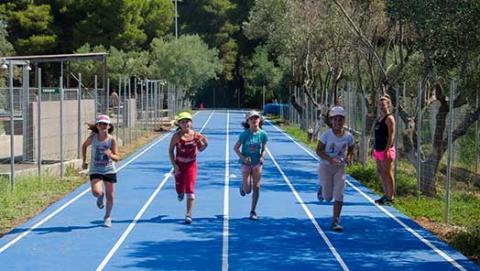 atletika-fudbal-skouras-kamp-bazen-fudbal-grcka-stoni-tenis-odbojka-kosarka-plaza-tekvondo-bicikl