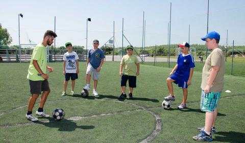 fudbal-skouras-kamp-bazen-fudbal-grcka-stoni-tenis-odbojka-kosarka-plaza-tekvondo-bicikl