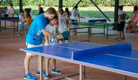 stoni-tenis-skouras-kamp-bazen-fudbal-grcka-stoni-tenis-odbojka-kosarka-plaza-tekvondo-bicikl